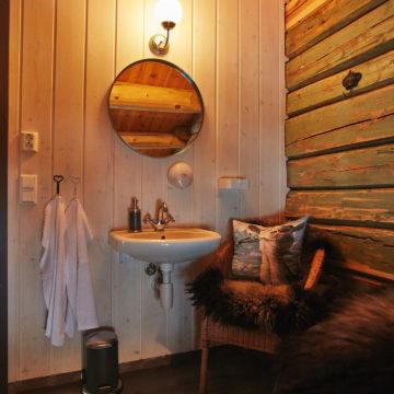 Standard veggpanel (skyggepanel) brukt på bad