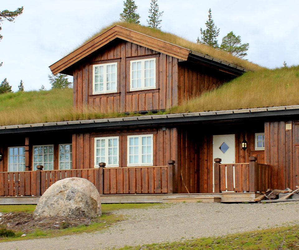 hytte-med-villmarkspanel-fra-skjåk-trelast